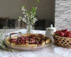 Пролетен бутер сладкиш с маскарпоне, ягоди и шоколад