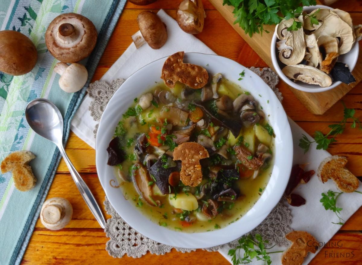 Ароматна гъбена супичка с картофи
