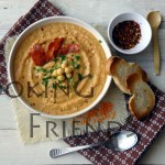 Гореща супа с червена леща, червени чушки и нахут