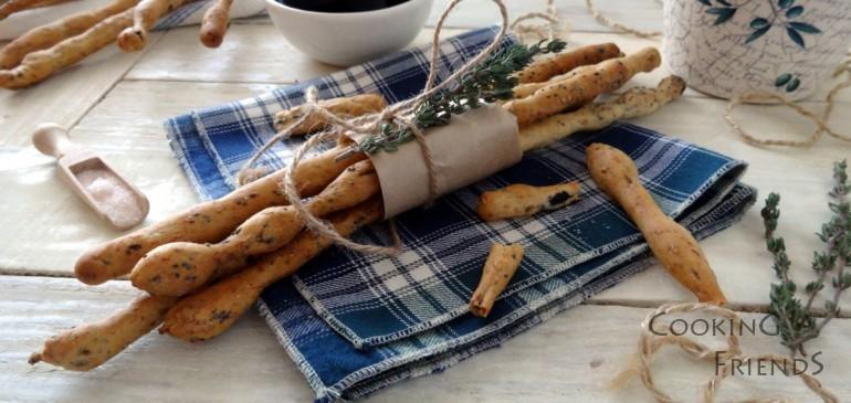 Италиански гризини с мащерка и маслини