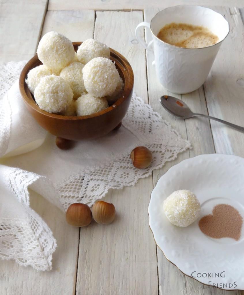 Кокосови бонбони с цели лешници
