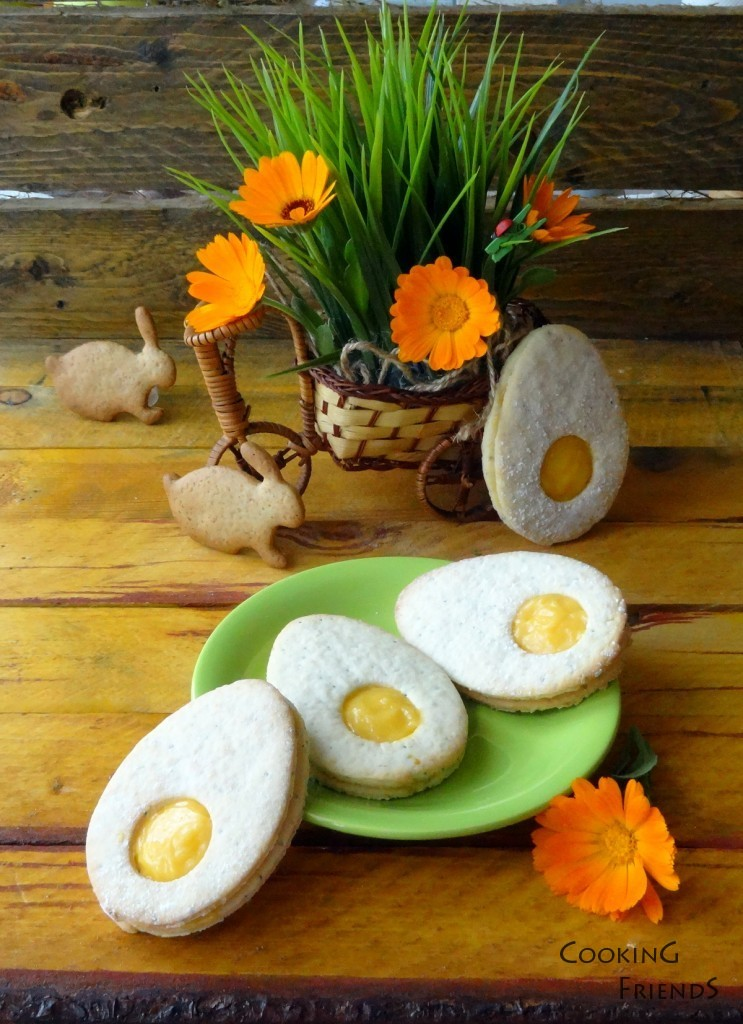 Великденски яйчица с извара, маково семе и портокал