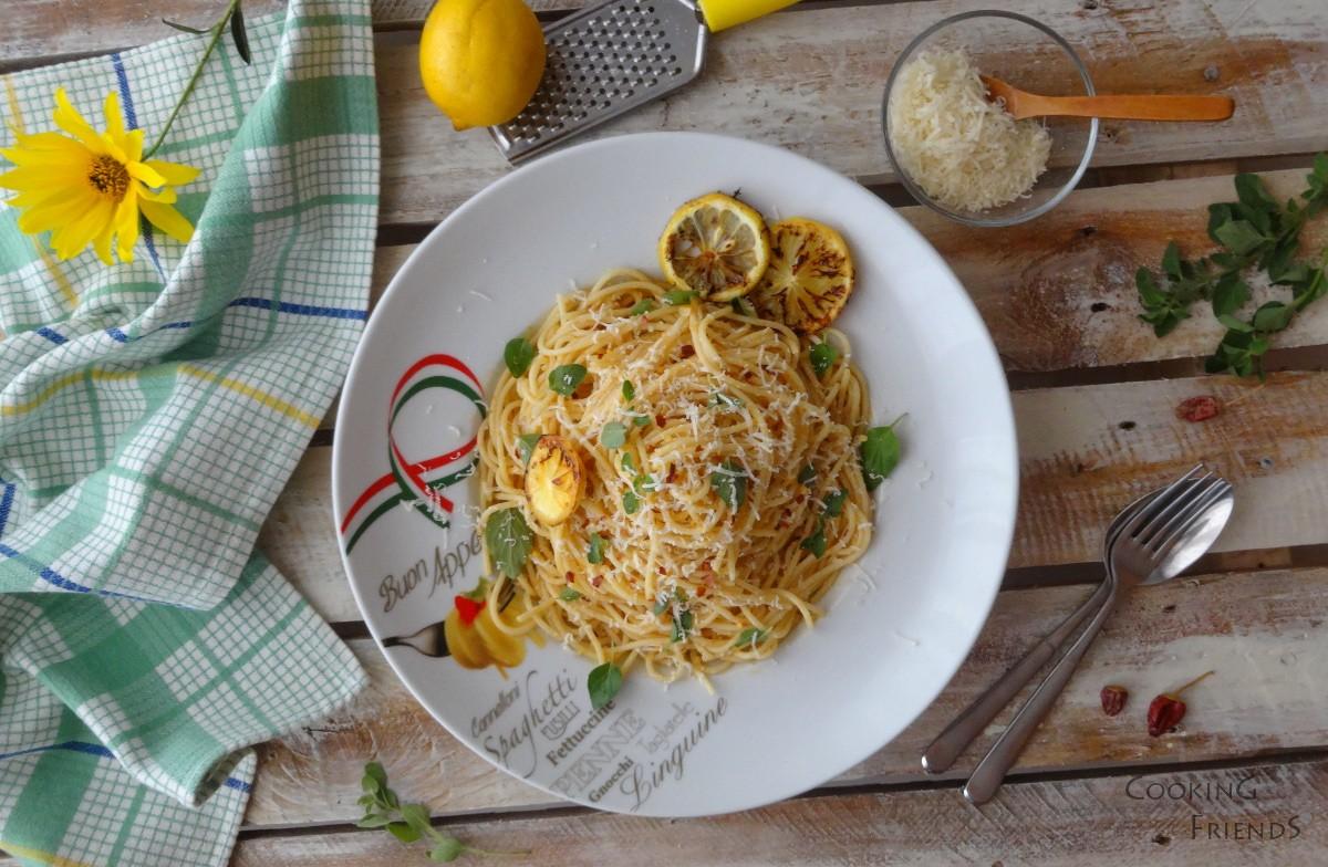 Лимонови спагети с чесън и риган