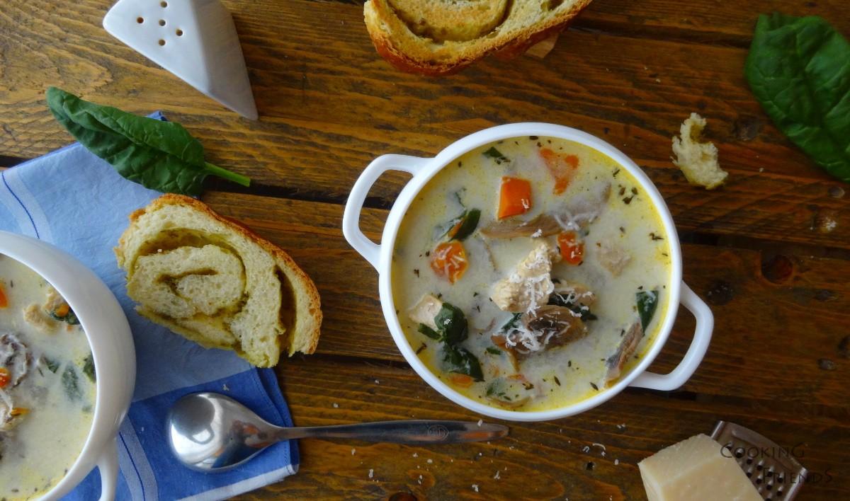 Пилешка супа с гъби и спанак