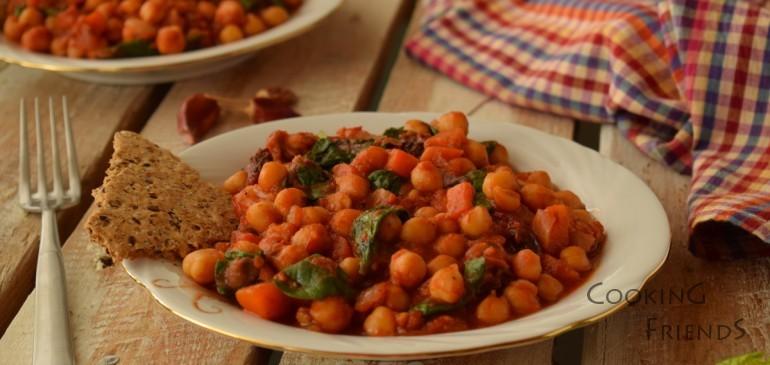 Яхния с нахут, домати и спанак
