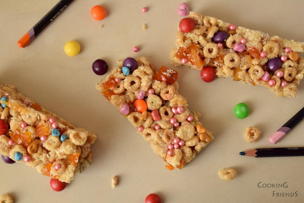 Десертни блокчета със зърнена закуска