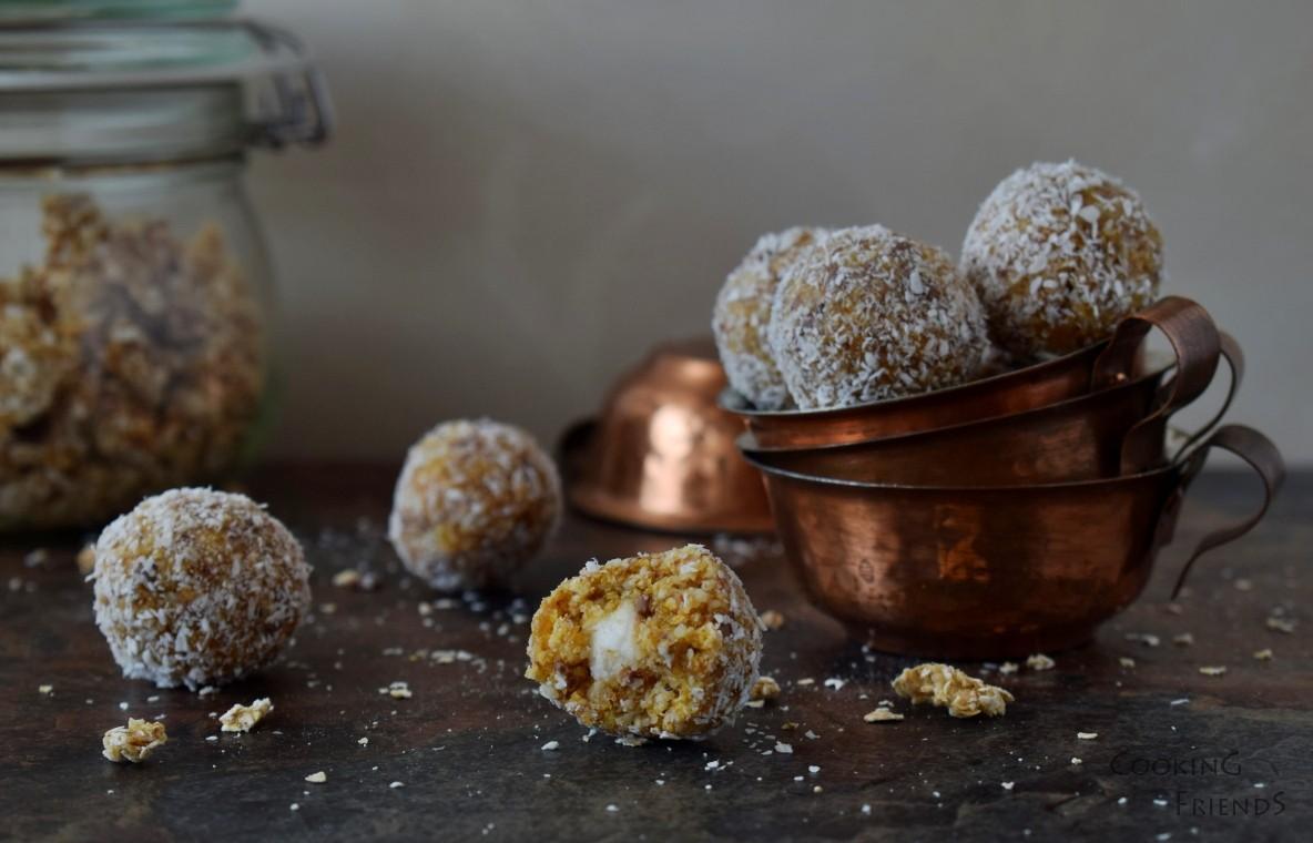 Бонбони с гранола, кайсии и кокос
