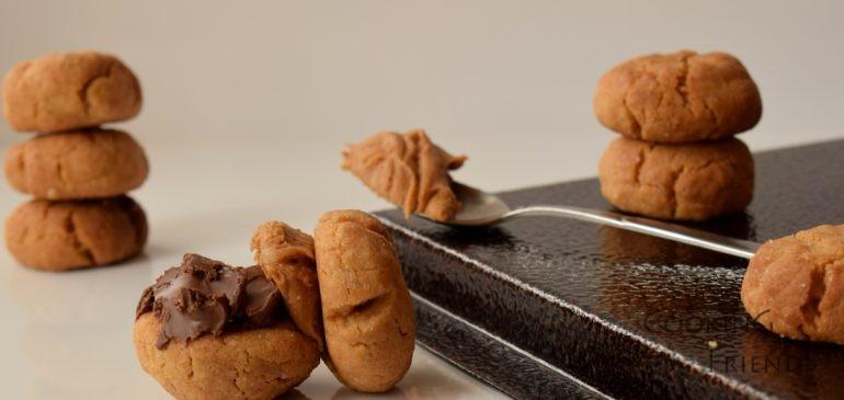 Хрупкави бисквитки с фъстъчено масло