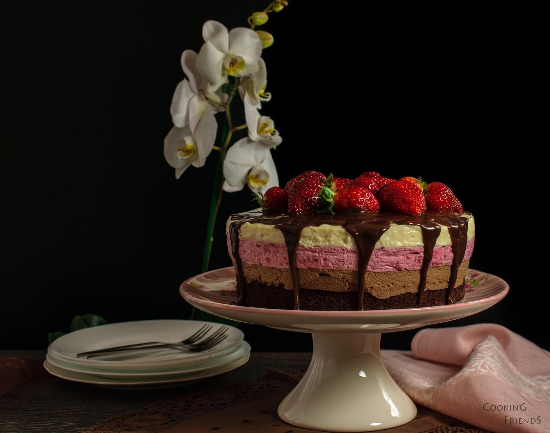 Многопластова торта с шоколад
