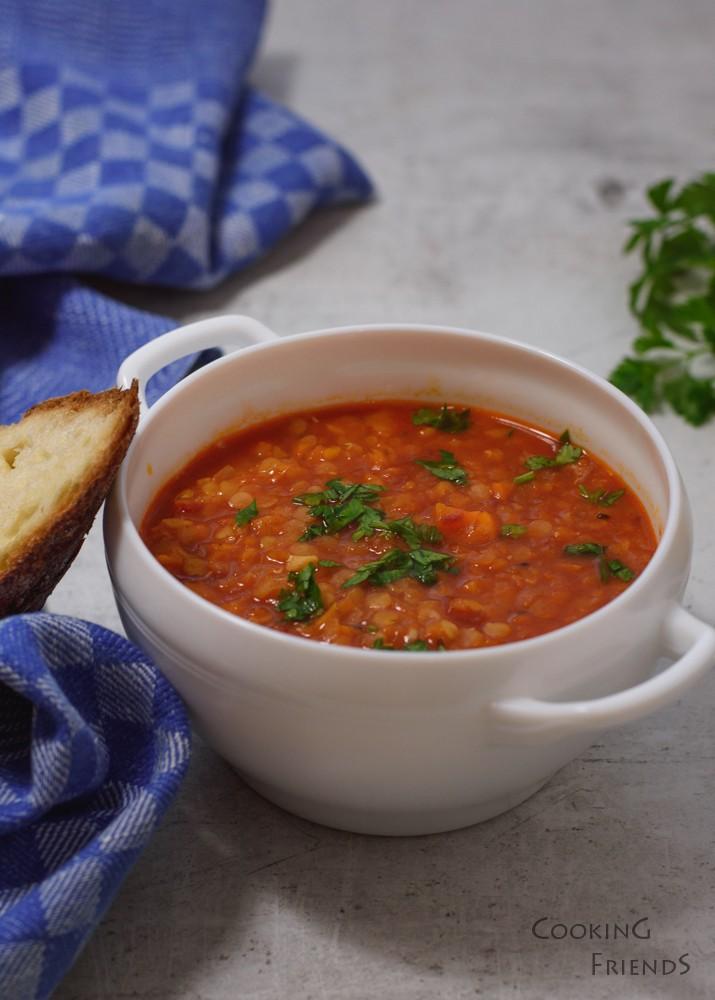 Бърза супа от червена леща