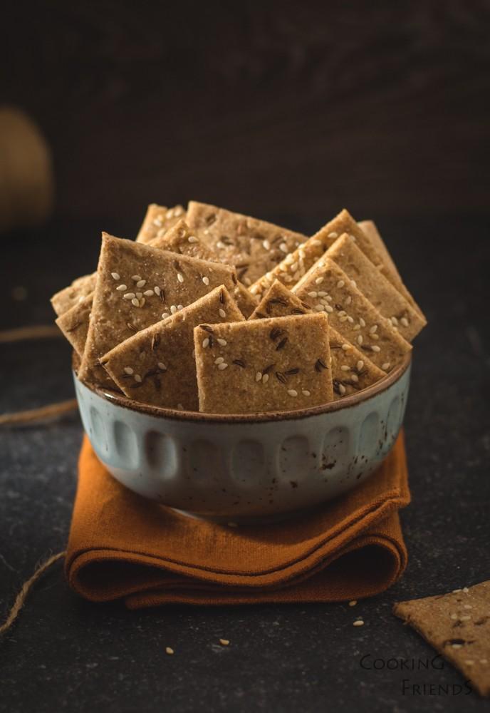 Пълнозърнести крекери с 5 съставки
