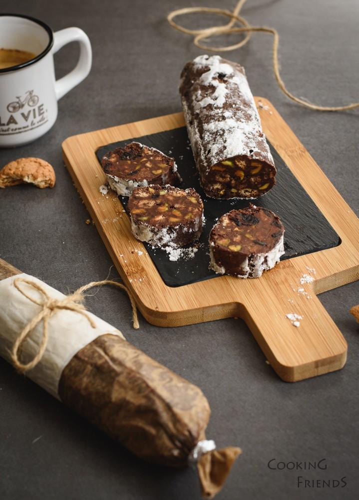 Шоколадов салам с амарети и череши