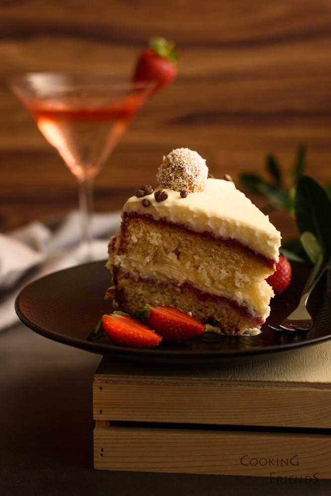 Торта с шоколад, кокос и ягоди