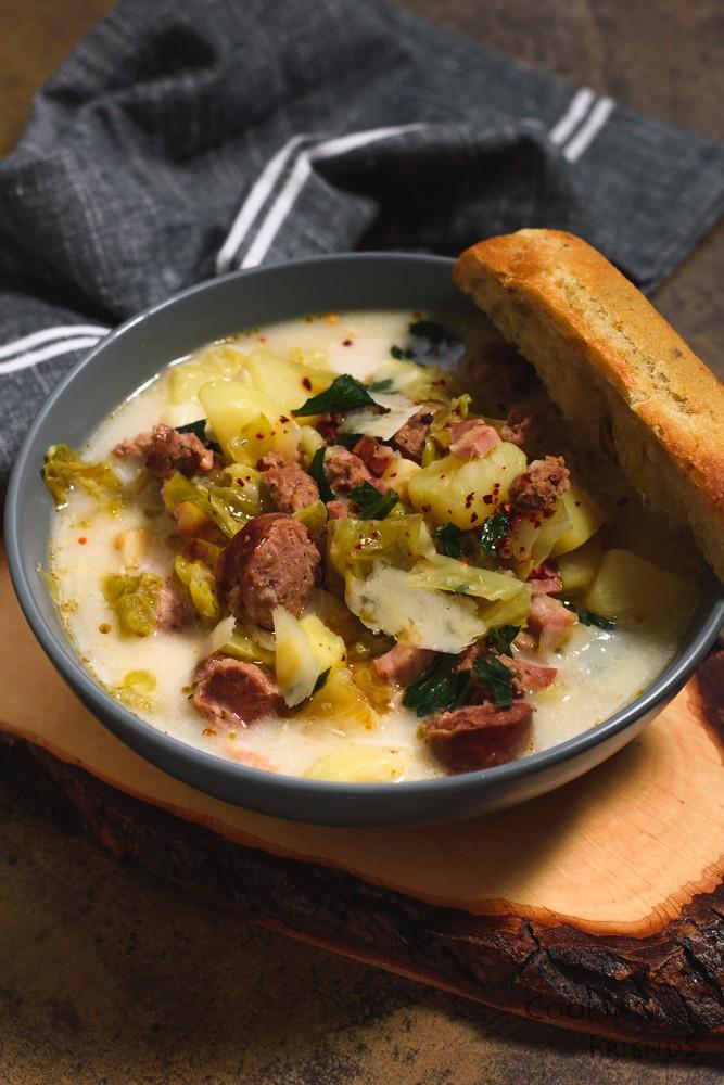 Тосканска супа с наденица и бекон
