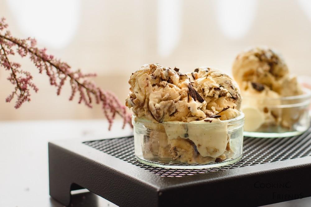 Сладолед с маскарпоне, халва и шоколад