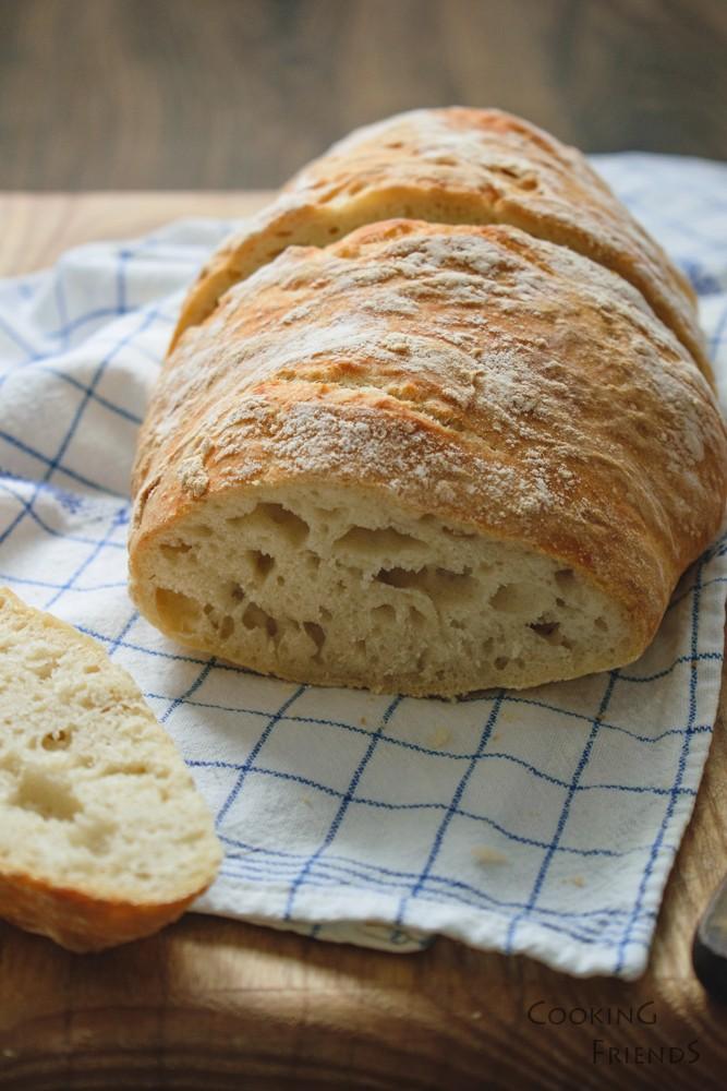 Хрупкав домашен хляб
