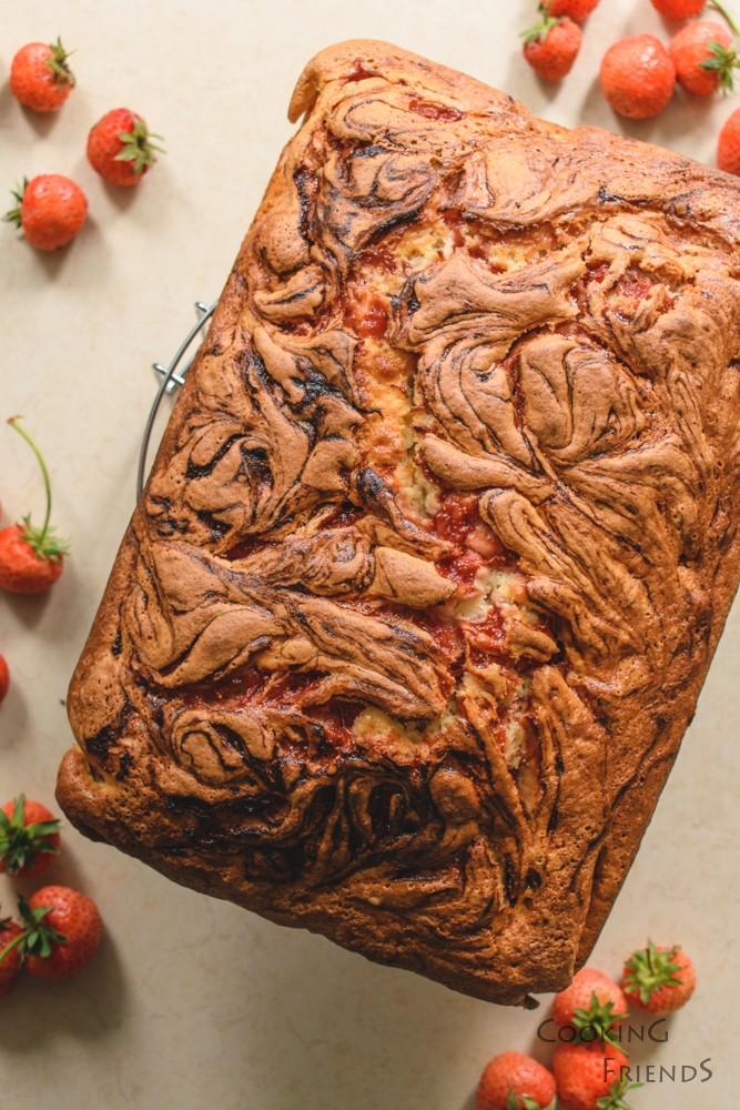 Мраморен кекс с ягоди