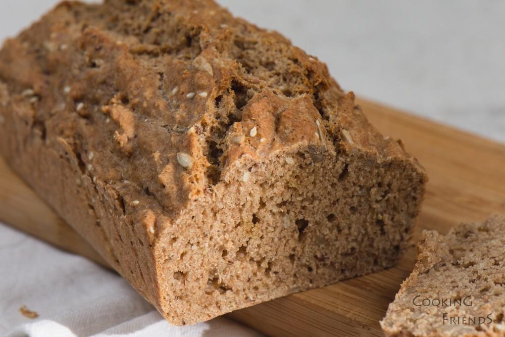 Хляб от лимец с микс от семена
