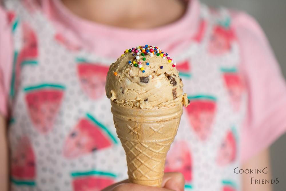 Великолепен сладолед с вкус на чийзкейк и карамел