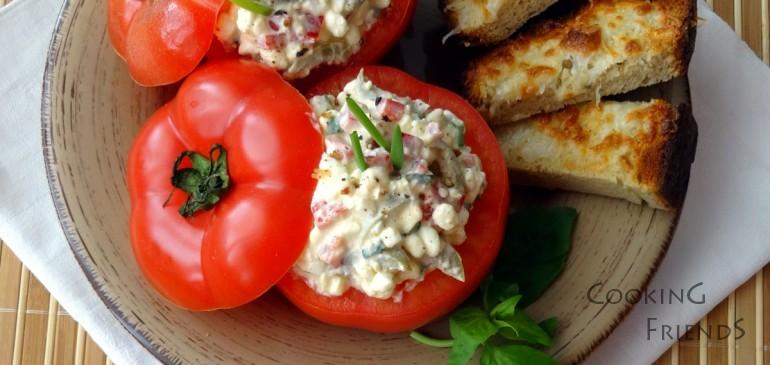 Свежи домати с котидж сирене