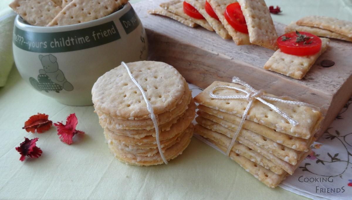 Царевични крекери със сусам