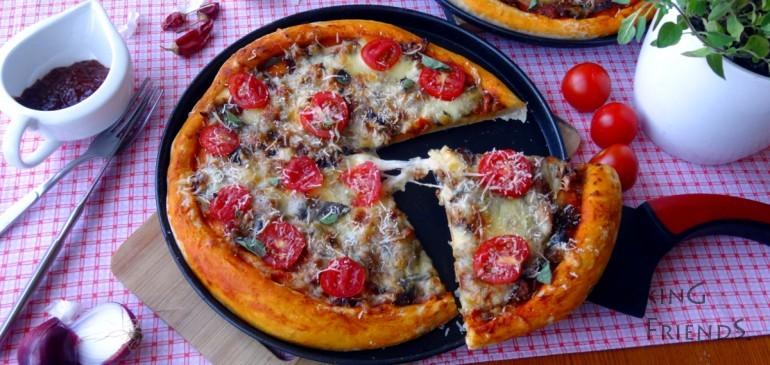 Пица със зеленчуково песто
