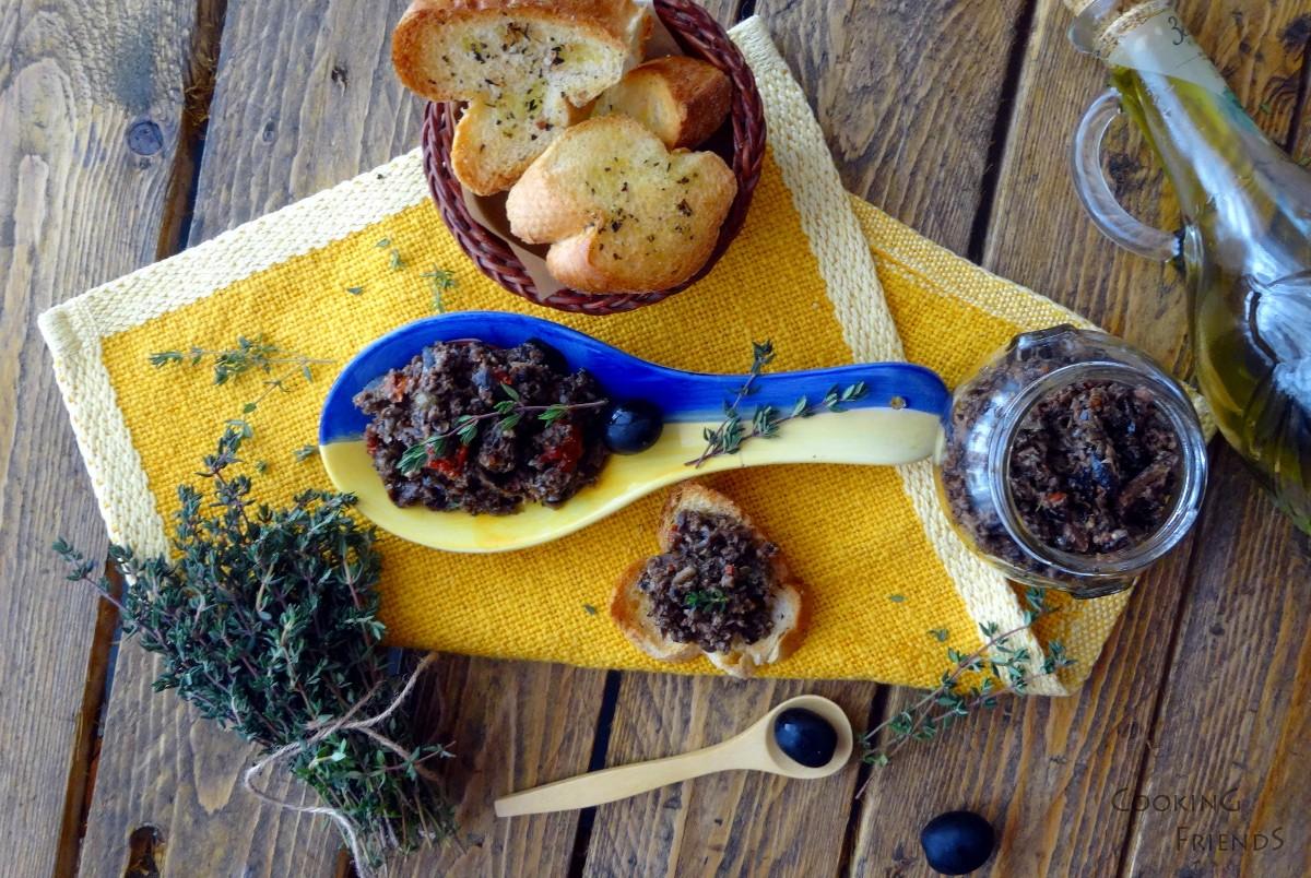 Сос Тапенада с черни маслини