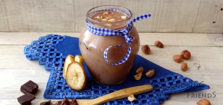 Бананово смути с шоколад и лешници