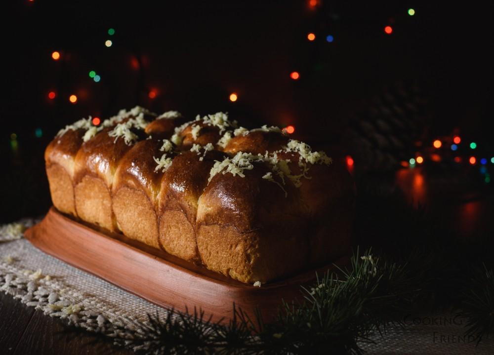 Пухкав празничен хляб