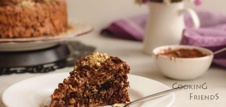 Торта с орехи, фурми и шоколад